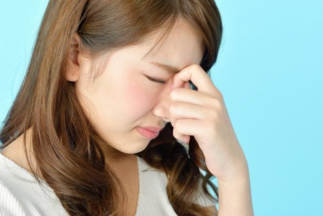 眼精疲労は肩こりの原因になります。