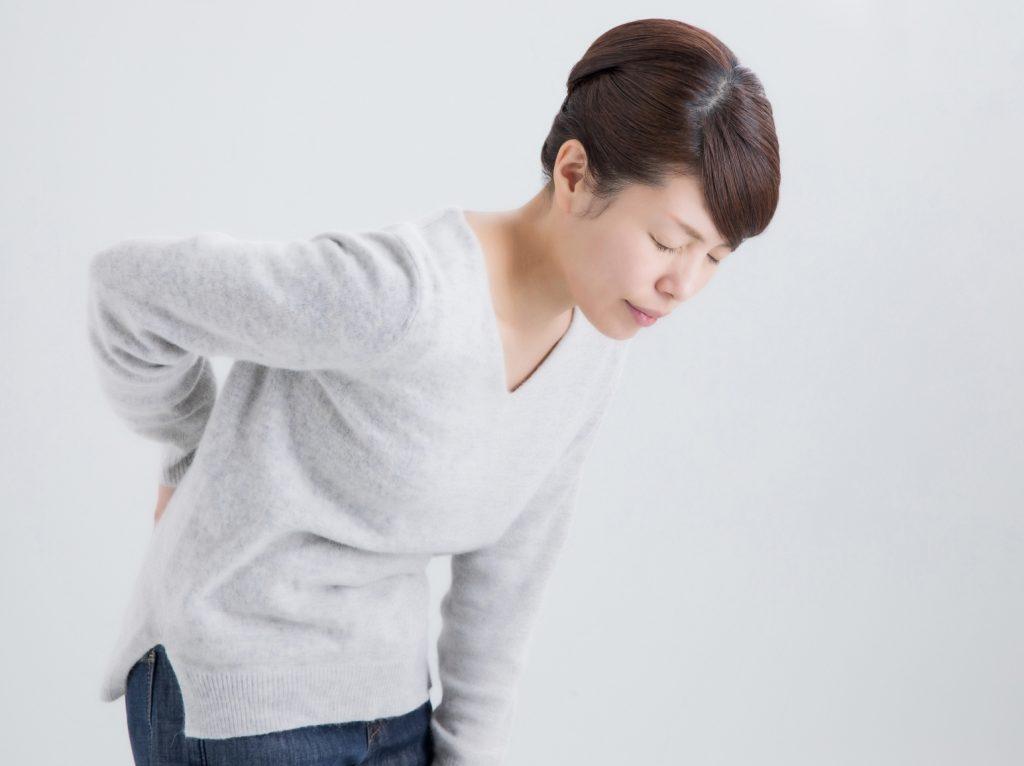 慢性腰痛でお困りな方は、当院の慢性腰痛改善治療を受けて下さい。